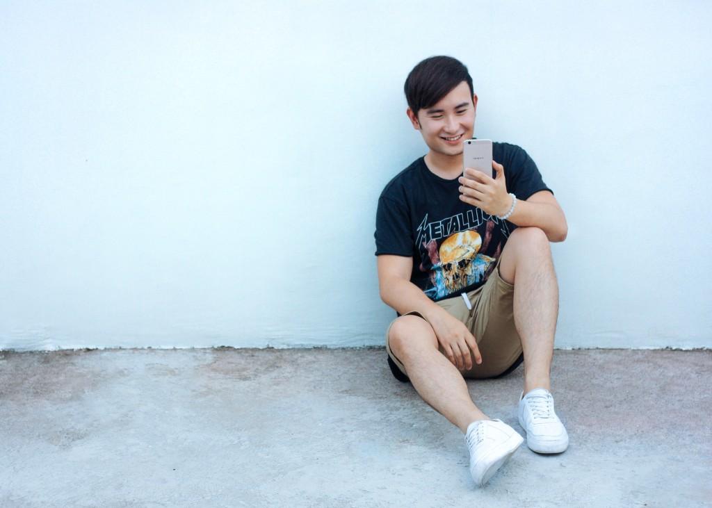 cebu fashion and style blogger lloyd chua using oppo f1s